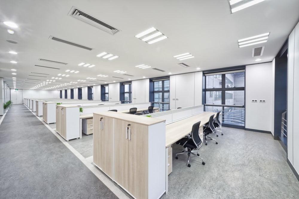 Klassisk kontor med god kontorbelysning